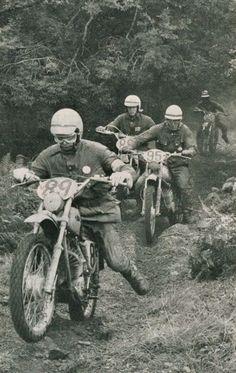 Enduro Vintage, Vintage Motocross, Vintage Bikes, Vintage Motorcycles, Vintage Racing, Enduro Motocross, Enduro Motorcycle, Motocross Racing, Motorcycle Art