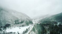This years El Nino is apparent.  Captured by @travelingdorks with DJI Phantom 3  #rutland #Woodstock #killington #Vermont #VT #shredseason #ski #snowboarding #snowboard #wintersports #snow #winter #elnino #season #DJI #djiphantom3 #drone #quadcopter #composition #capture by moni.cat