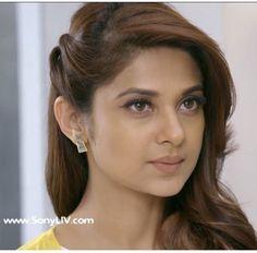 I also Jenni. Saree Hairstyles, Girl Hairstyles, Braided Hairstyles, Wedding Hairstyles, Indian Hairstyles, Trendy Hairstyles, Girly Attitude Quotes, Girl Attitude, Girly Quotes