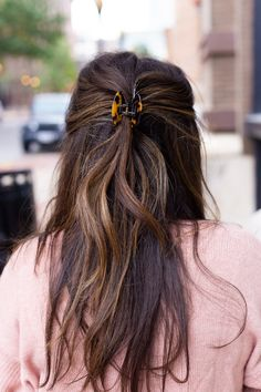 My Love For Tortoise Shell Brunette Pregnant Woman Wearing Blush Sweater JCrew Tortoise Shell Hair C Bobby Pin Hairstyles, Headband Hairstyles, Pretty Hairstyles, Beach Hairstyles, Men's Hairstyle, Hairstyles Haircuts, Vintage Hairstyles, Wedding Hairstyles, Hair Scarf Styles