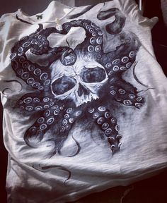 Painted t shirt skull @expressmade