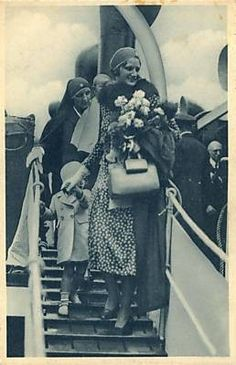 Queen Astrid with her daughter Princess Josephine Charlotte