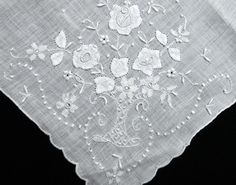 Vintage Madeira Embroidery Flower Basket Linen Hanky - Gorgeous Bridal Wedding #Madeira #Wedding