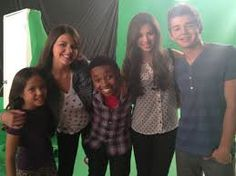 Bre, ME, Curtis, @Kinsley Laufeyson , and @Jack Griffo