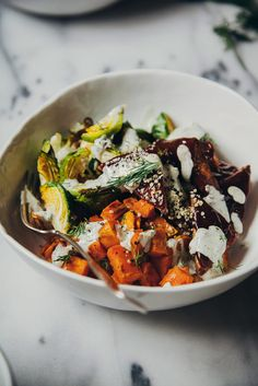 roasted winter bowl w/ BBQ tempeh + hemp seed ranch dressing.want to try this hemp seed ranch dressing! Tempeh, Seitan, Healthy Food Blogs, Whole Food Recipes, Healthy Eating, Healthy Recipes, Vegan Bowl Recipes, Vegetarian Recipes, Tofu Recipes