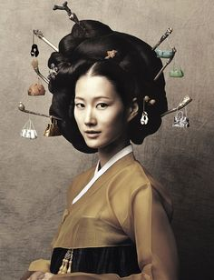 shows off strong, healthy that holds. What's your favourite type of hair art? Korean Hanbok, Korean Dress, Korean Outfits, Mode Outfits, Korean Traditional Dress, Traditional Fashion, Traditional Dresses, Ethnic Fashion, Korean Fashion