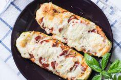 Diese Low Carb Zucchini Schiffchen sind einfach unglaublich lecker und der…