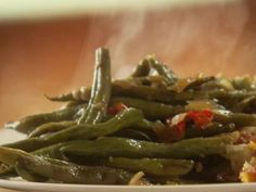 Green Beans with bacon grease, garlic, red bell pepper, onion, chicken broth #healthy #side #greenbeans