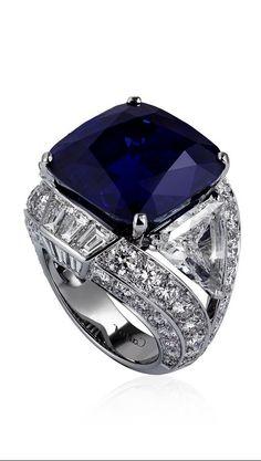 BLEU-BLEUET RING Platinum, one cushion-cut sapphire carats) from Kashmir, triangular-shaped diamonds carats and carats), calibré-cut diamonds, brilliant-cut diamonds. I Love Jewelry, High Jewelry, Jewelry Rings, Jewelry Box, Jewelry Accessories, Jewelry Design, Pandora Jewelry, Ringa Linga, Bijoux Art Deco