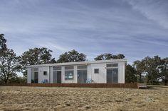 Ideabox eco  prefab. Modular, prefab & green http://www.motherearthnews.com/diy/modular-prefab-compact-green-homes-structures.aspx