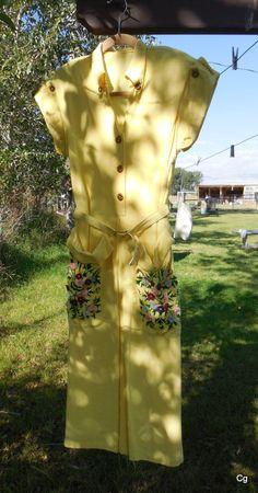 June Cleaver 1950s Vintage Dress on Etsy by LotsaVintage on Etsy, $65.00