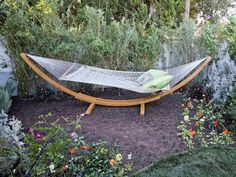 Outdoor Lounging Spaces: Daybeds, Hammocks, Canopies and More : Outdoors : HGTV