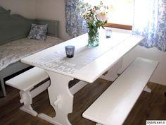 maalaisromanttinen,mökki,tupakeittiö,keittiön sisustus,kesäasunto Natural Wood, Corner Desk, Dining Bench, Old Things, Cottage Decorating, Cabin Fever, Furniture, Villas, Diy Ideas