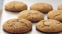 Craving old-fashioned, chewy and spicy molasses cookies? Try this easy homemade cookie-jar favorite.