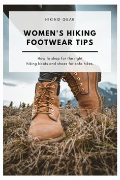 Tips For Choosing the Right Hiking Boots For Women What are the best hiking boots for women? I share tips on how to find the right hiking shoes or hiking boots for your outdoor adventures. Hiking Gear Women, Hiking Boots Women, Hiking Tips, Women's Hiking Boots, Hiking Boots Outfit, Hiking Clothes Women, Fashion Models, Quoi Porter, Tips