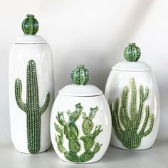 Latest Cactus Decor Ideas For Your Home - Growing cactus indoors is a relatively simple process. Although, most of the cactus plants tolerate neglect, they thrive properly when given good care. Cacti And Succulents, Cactus Plants, Prickly Cactus, Indoor Cactus, Cactus Decor, Cactus Art, Cactus Ceramic, Southwest Decor, Western Decor