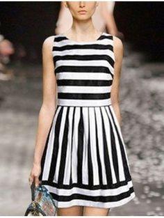 Vestido de rayas blanco y negro