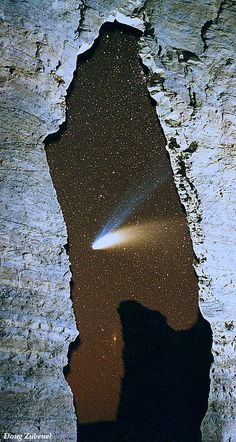 Hale-Bopp Comet seen through the Keyhole Arch at Monument Rocks Natural Landmark, Kansas, USA. Photo: Doug Zubenel.