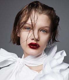 いいね!1,071件、コメント13件 ― Thomas de Kluyver 🔰さん(@thomasdekluyver)のInstagramアカウント: 「@kris_grikaite in my new beauty story for @selfservicemagazine photo @amytroostphotography styling…」