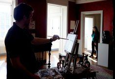 Dans le cadre du Festival Normandie Impressionniste, l'Office de Tourisme proposera cet été de découvrir le regard du peintre Olivier DESVAUX. Le peintre vous invite à faire connaissance avec les femmes et les hommes dont l'activité les lient à la Seine. En attendant l'été, nous vous proposons un avant-goût de l'exposition ! Découvrez Olivier DESVAUX face à ses modèles…avant de vous dévoiler l'ensemble des toiles début juillet. Aujourd'hui, l'Atelier le Musée Victor Hugo