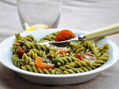 gluten-free pasta with pesto and cherry tomatoes - Fusilli senza glutine con pesto e pomodorini