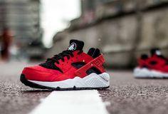 Nike Air Huarache: Red/Black