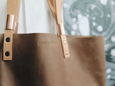 Image of YELAPA LEATHER TOTE - BROWN sick for this bag