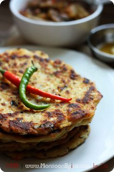 Cabbage Akki Rotti (Gluten Free Spicy Cabbage Flat Bread) Use oil for Vegan Dairy Free Recipes, Vegetarian Recipes, Cooking Recipes, Healthy Recipes, Gluten Free, Akki Rotti Recipe, Indian Dishes, Indian Breads, Flatbread Recipes