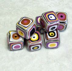 Polymer Clay Square Beads with Gustav Klimt Pattern Polymer Clay Fairy, Polymer Clay Canes, Fimo Clay, Polymer Clay Projects, Polymer Clay Creations, Polymer Clay Beads, Clay Crafts, Video Fimo, Crea Fimo