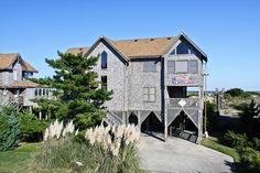 AVON Vacation Rentals | Captain's Quarters - Oceanfront Outer Banks Rental | 457 - Hatteras Rental