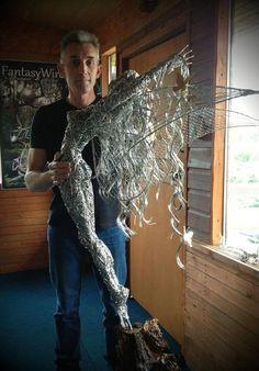 Metallic Sculpture : Fantasy Wire Fairies Sculptures By Robin Wight - Dear Art Chicken Wire Art, Chicken Wire Sculpture, Wire Art Sculpture, Wire Sculptures, Abstract Sculpture, Robin Wight, Fantasy Wire, Fantasy Fairies, Sculptures Sur Fil