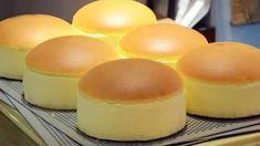 Japanese Fluffy Cheesecake, Japanese Jiggly Cheesecake Recipe, Japanese Cheescake, Sweets Recipes, Baking Recipes, Castella Cake Recipe, Japan Cake, Chiffon Cake, Cheesecake