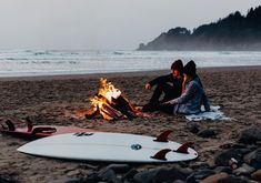"""441 Likes, 24 Comments - Chelsie Conger (@xochelsieco) on Instagram: """"Because it is currently freezing and just looking at this fire makes me feel a tiny bit warmer .…"""" #surfinginspiration"""