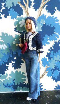 Habits Barbie - Basique Jeans - 5 pièces - couture - Patrons de couture chez Makerist 916 Barbie Style, Doll Crafts, Diy Doll, Barbie Clothes, Barbie Dolls, Habit Barbie, Barbie Patterns, Barbie And Ken, Custom Dolls