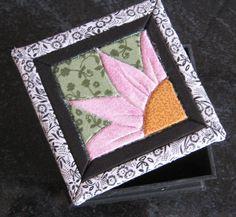 Caixa de mdf decorada com patchwork sem costura e patina....