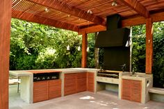 Parrilla a gas Patio Kitchen, Summer Kitchen, Outdoor Kitchen Design, Gazebo On Deck, Pergola, Barbacoa, House Deck, Backyard Paradise, Outdoor Living