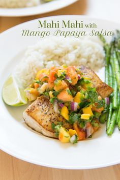 Mahi Mahi with Mango Papaya Salsa. Pan seared Mahi Mahi with tropical mango papaya fruit salsa. Papaya Recipes, Mango Recipes, Fish Recipes, Seafood Recipes, Recipies, Whole30 Dinner Recipes, Grilling Recipes, Cooking Recipes, Healthy Recipes