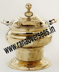 Brass Chafing Dish Mirror Finish, Corrosion resistant, Easy to clean and Perfect finish. Available Sizes :- 4 Litres, 6 Litres and 8 Litres. Applications :- Hotels , Restaurants, Caterers, Inns, Parties, Banquet Halls, Eating Outlets  dining purposes in leading restaurants, hotels, caterers, banquet halls, parties and functions and other eating outlets. Brass Chafing Dishes are also ideal gift items. An extensive range of our Brass Chafing Dishes includes superior