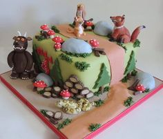 Now this is a brilliant Gruffalo cake! Cupcakes, Cupcake Cakes, Beautiful Cakes, Amazing Cakes, Gruffalo Party, Woodland Cake, 3rd Birthday Cakes, Forest Cake, Cake Craft