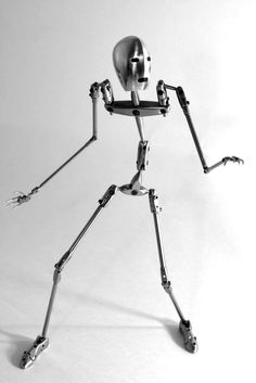 LR_sleek_armature.jpg (1000×1497)