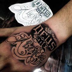Um pouco do trabalho que rolou hoje boa noite galera Leg Tattoo Men, Leg Tattoos, Black Tattoos, Tribal Tattoos, Tattoos For Guys, Tatoos, Chest Tattoo Stencils, Knuckles Hand, Football Tattoo