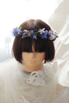リストランテASO様へ、青と紫の花冠です。小花だけで、ナチュラルに。花嫁さまはfacebookにたくさんの写真をアルバムにしてくださって、その全部にコメン...