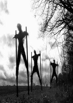 Haunted Attraction Magazine Kind of like scarecrows, creepy looking stickmen. Found on lisahewitt.tumblr.com