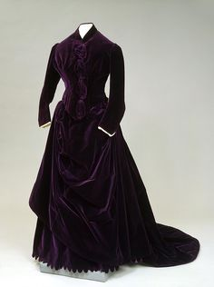 1880's Lady's Dress France Manufacture: Charles Frederick Worth's Firm 1880s Paris velvet and satin