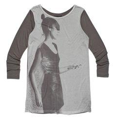 df-69-021, brązowa, dłuższa koszulka z długim rękawem i fotografią kobiety z profilu