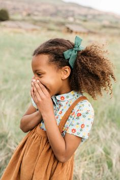 Mabo Kids x Wunderkin Co. Collaboration-- Mabo Kids x Wunderkin Co. Handmade hair bows and headbands for your baby, toddler or little girl and her classic yet free spirited style. Each of our bows in made in the USA and guaranteed for life. Mabo Kids, Mommy Daughter Dates, Kids Branding, Children Photography, Little Girl Photography, Stylish Kids, Kid Styles, Poses, Cute Kids