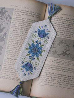 Meme Flowers cross stitch bookmark http://bottheka.com/en/meme-flowers-bookmark-new-cross-stitch-pattern