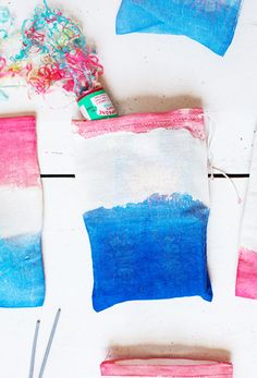 Dip-Dye Fourth of July Firecracker Bags // Fourth of July Decorations