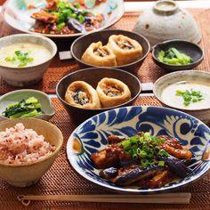 「2015/11/27 金 #晩ごはん ・ ✳︎麻婆茄子 ✳︎ひじきと豆腐の巾着煮 ✳︎小松菜の胡麻和え ✳︎卵としめじの中華スープ ・ 巾着煮は昨日の残りのひじき煮に豆腐を加えて。 ・ 麻婆茄子は、いつも面倒で茄子は普通に多めの油で炒める感じで作っていたけど、今日はきちんと素揚げして。(片栗粉まぶして)…」