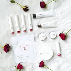 I N N I S F R E E  B R A N D  L O V E  This is a shout-out and love confession to a wonderful Korean brand: Innisfree! Usually I fancy a brand because of unique and cute packaging design. Innisfree is not special but simple! A clean design but the products never fail you! Innisfree says that they were the first nature brand from Korea founded in 2000 with focus on natural ingredients from the Korean Island Jeju (I hope I can visit this island sometime ). Their containers are eco-friendly too…